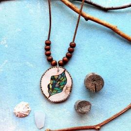 Vitro leaf, burning art, wood necklace https://www.etsy.com/de/listing/607804938/holz-kette-brandmalerei-schoner-rustik?ref=shop_home_active_15